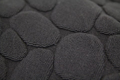 Ishikoro Pebble Bath Mat (close-up, dark gray)