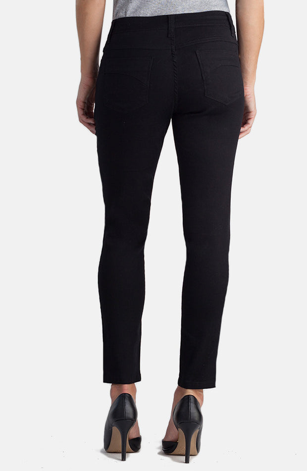 Beija-Flor Jeans Audrey Ankle Black with Emana®