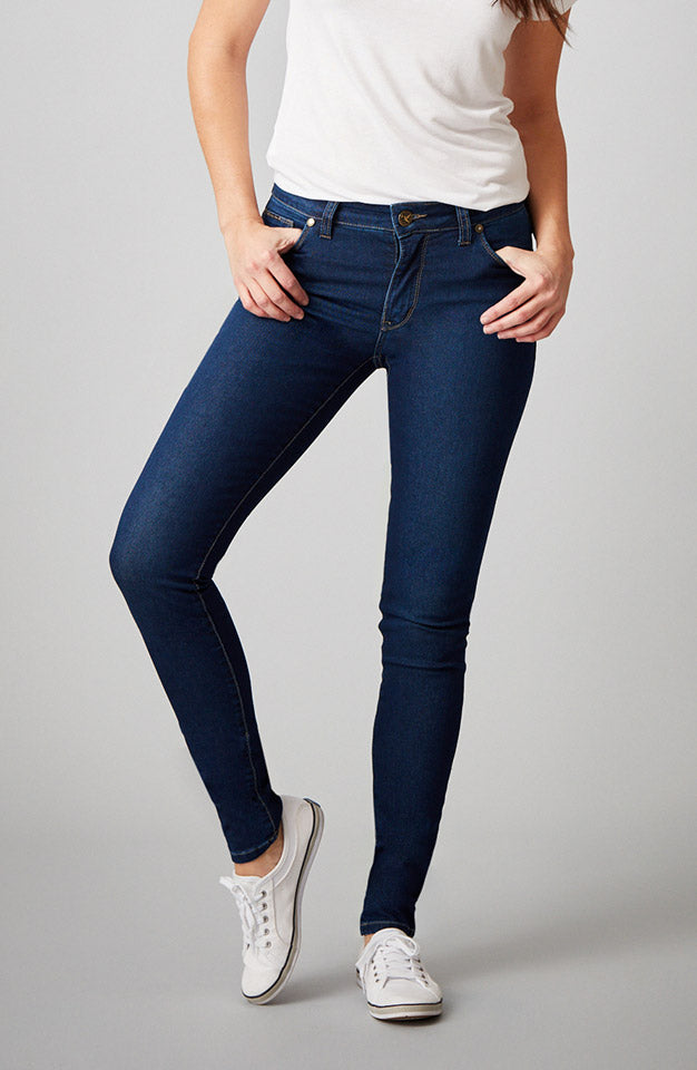 Beija-Flor Jeans Jennifer Skinny Navy with Emana®
