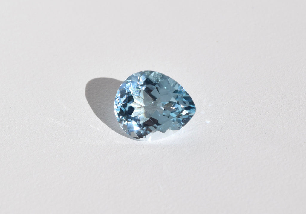 LIGHT BLUE PEAR TOPAZ