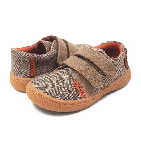 boys brown vegan hayes shoe