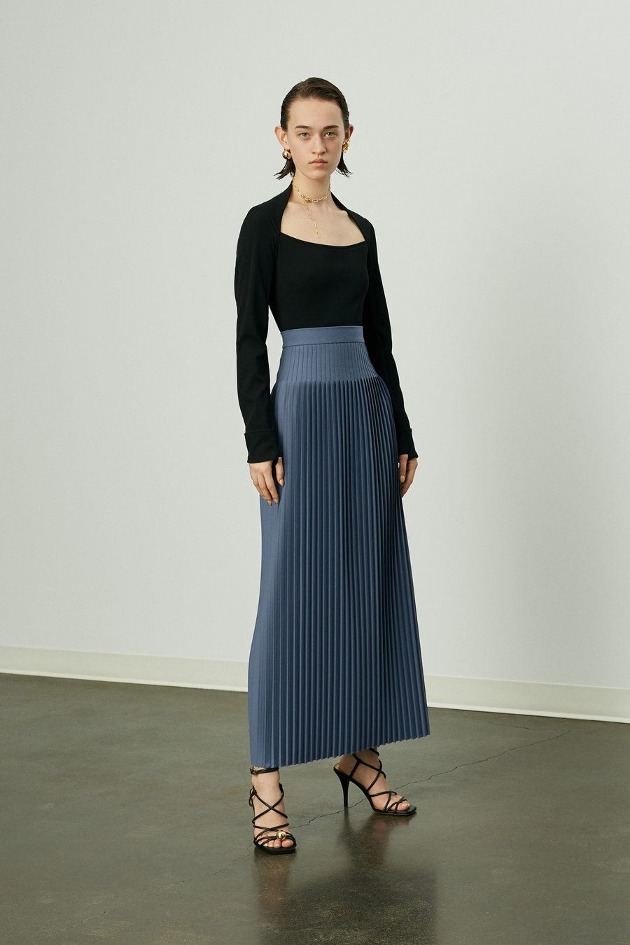 Knife pleat midi skirt