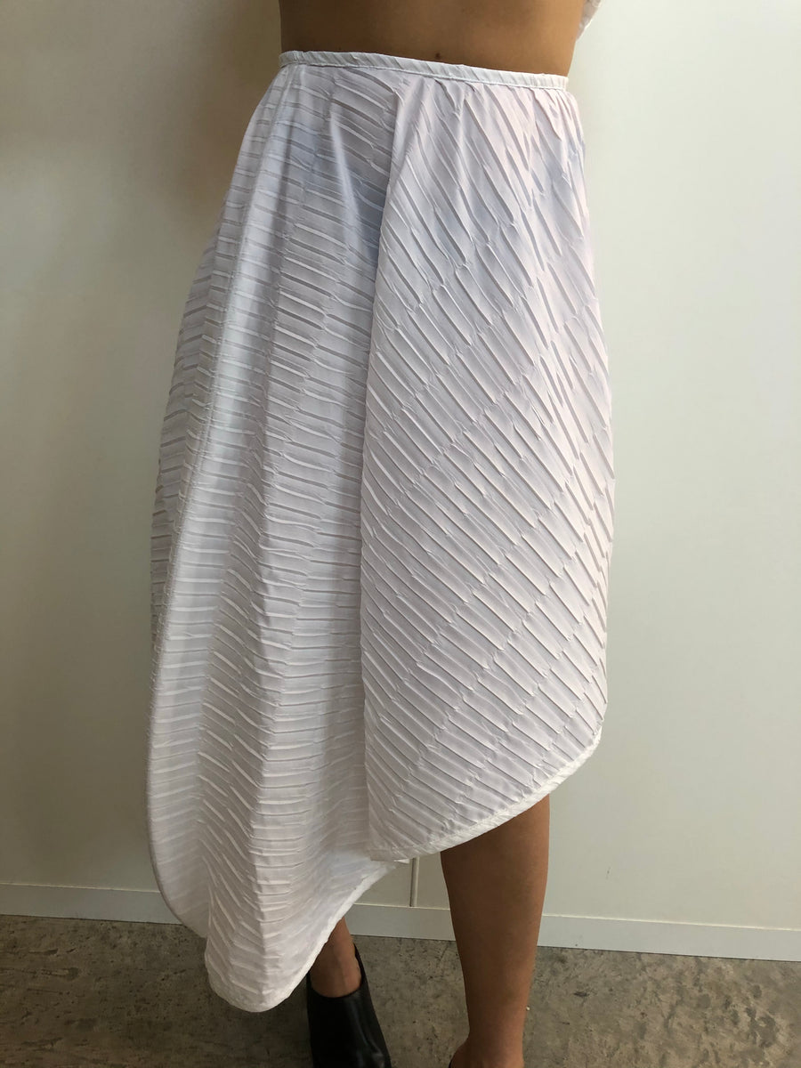 Lightweight pleated skirt