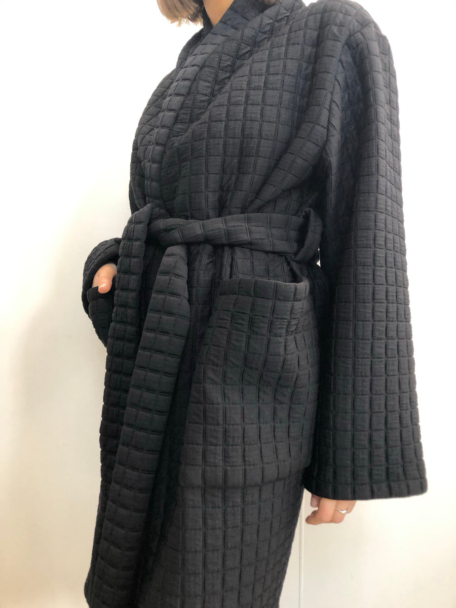 3D QUILTED SQUARE KNIT