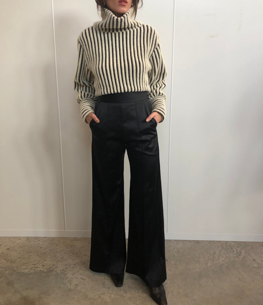 CROPPED 3D KNIT TURTLENECK