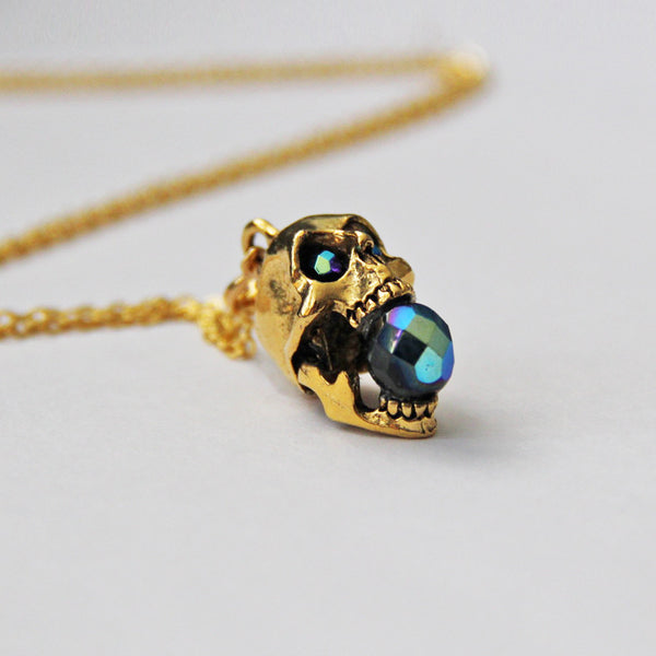 Glam Punk Screaming Skull Necklace in Mystic Fire