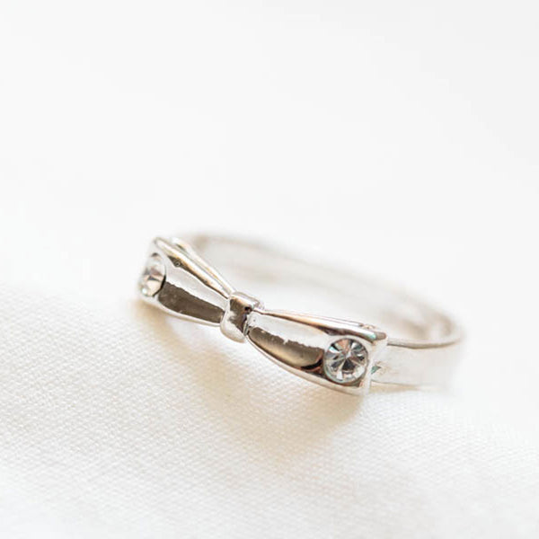 Silver-Tone Bow Knuckle Ring
