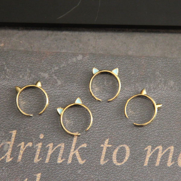 Here Kitty Cat Knuckle Ring in Gold/Blue