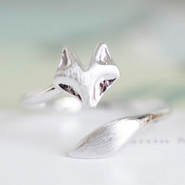 Delicate Fox Animal Ring in Platinum Plate