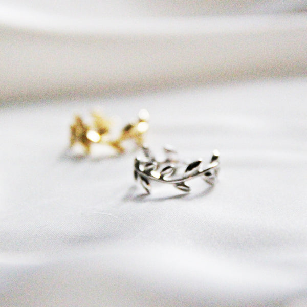 Platinum-Plated Laurel Leaf Knuckle Ring