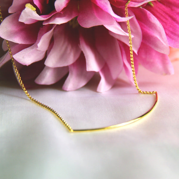 Ahead of the Curve Necklace in Gold