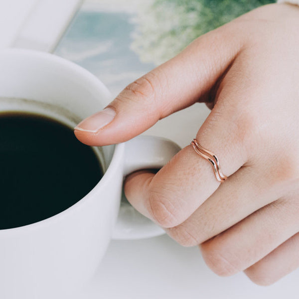 Rose Gold Wavy Thin Ring