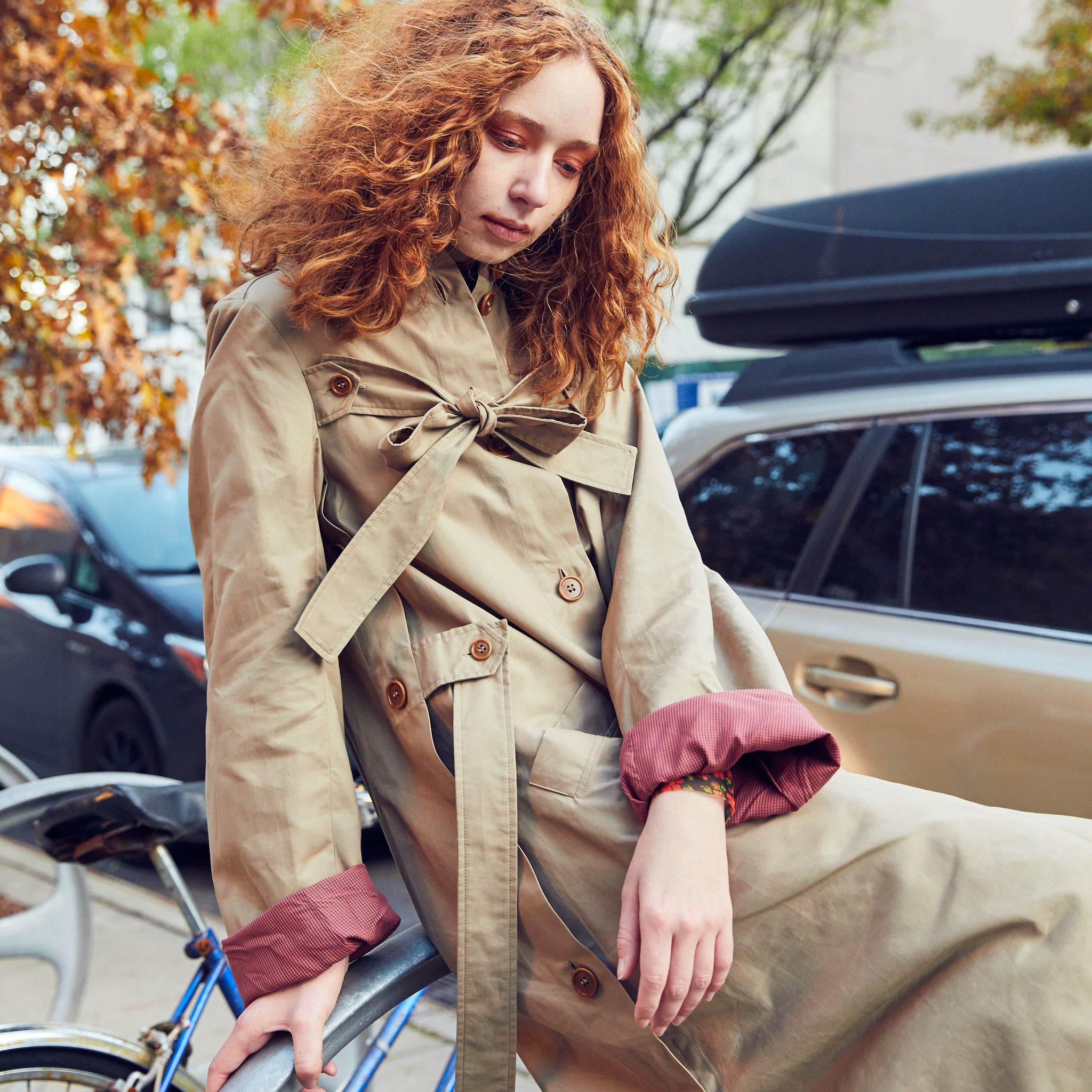 Sand trench coat with pointed collar by Henrik Vibskov