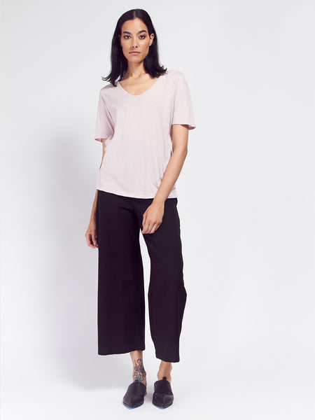 Building Block V Tee - Powder by Kowtow
