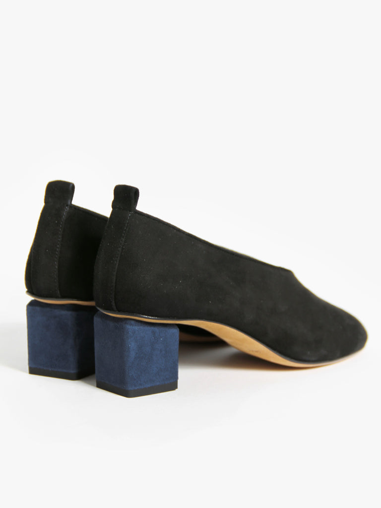 Mildred Classica - Black + Navy by Gray Matters