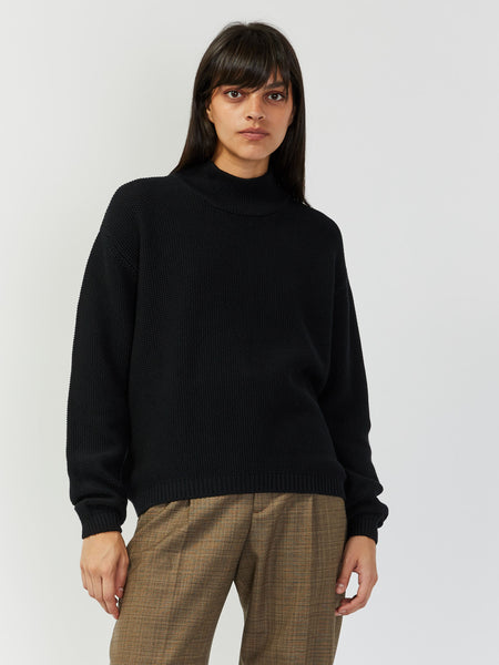 Pace Crew by Kowtow