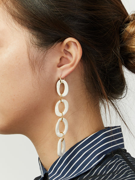 0 Chain White Earrings by Levens
