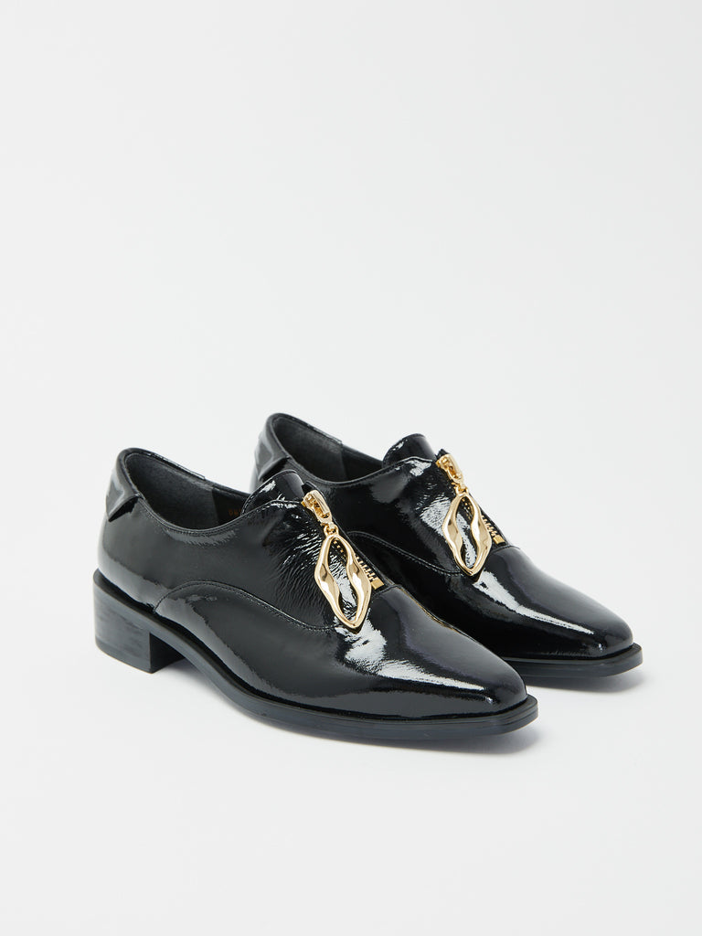 Wave Oval Loafer by Reike Nen