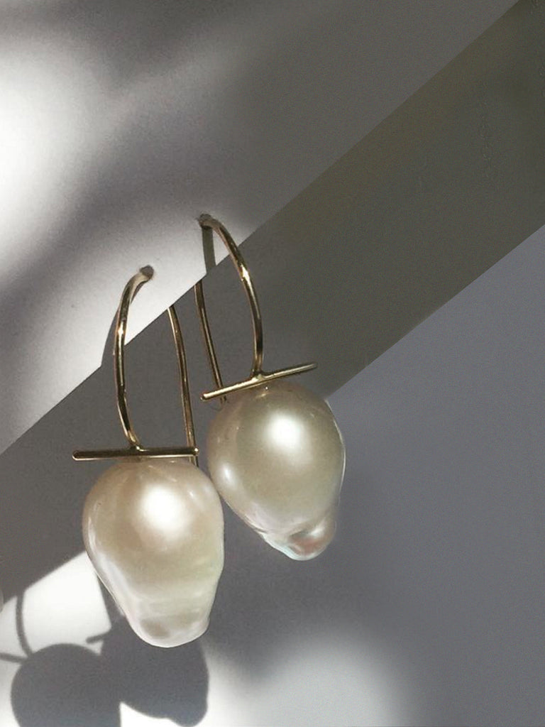 Curvy Baby Earrings by Tamlin