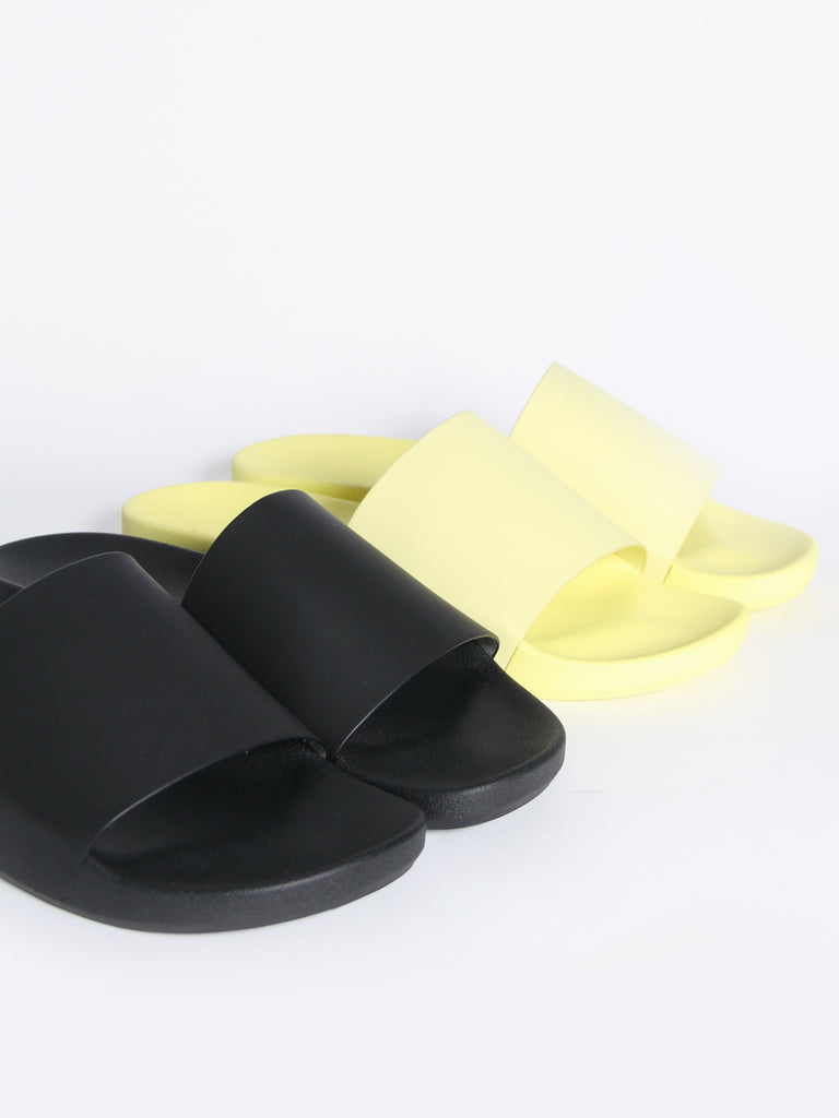 Kashiba Slide - Black by Brandblack