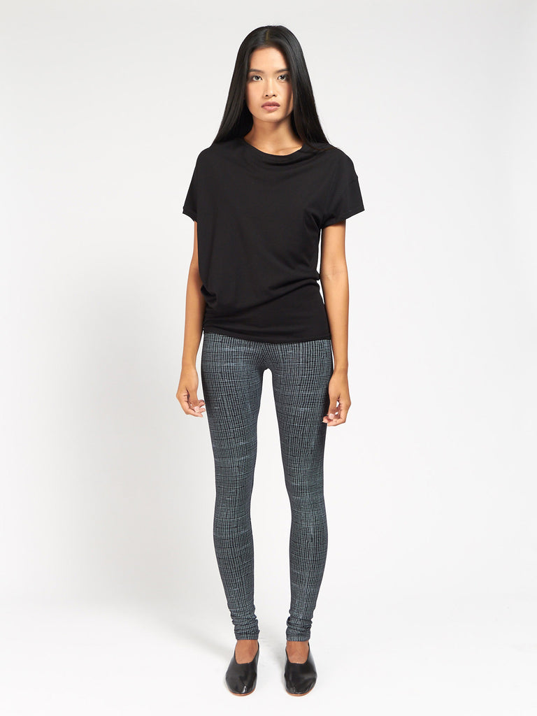 Julia Tee Black by Skin