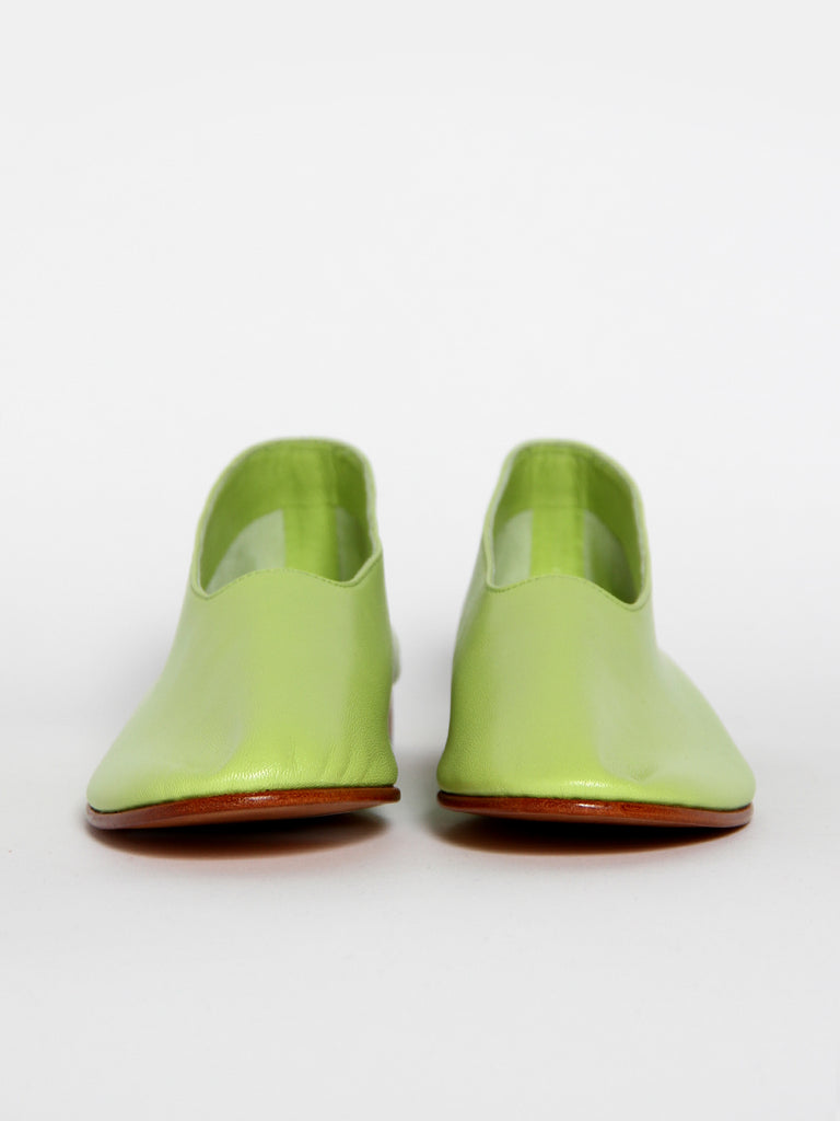 Glove Shoe - Grass by Martiniano