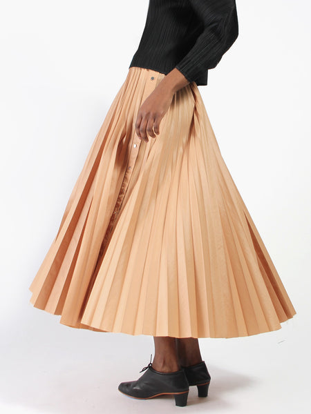 Savy Pleated Skirt by Nehera