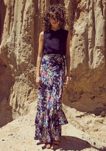 Auguste 'Beach House Wrap Maxi Skirt' Bambi Bloom Black