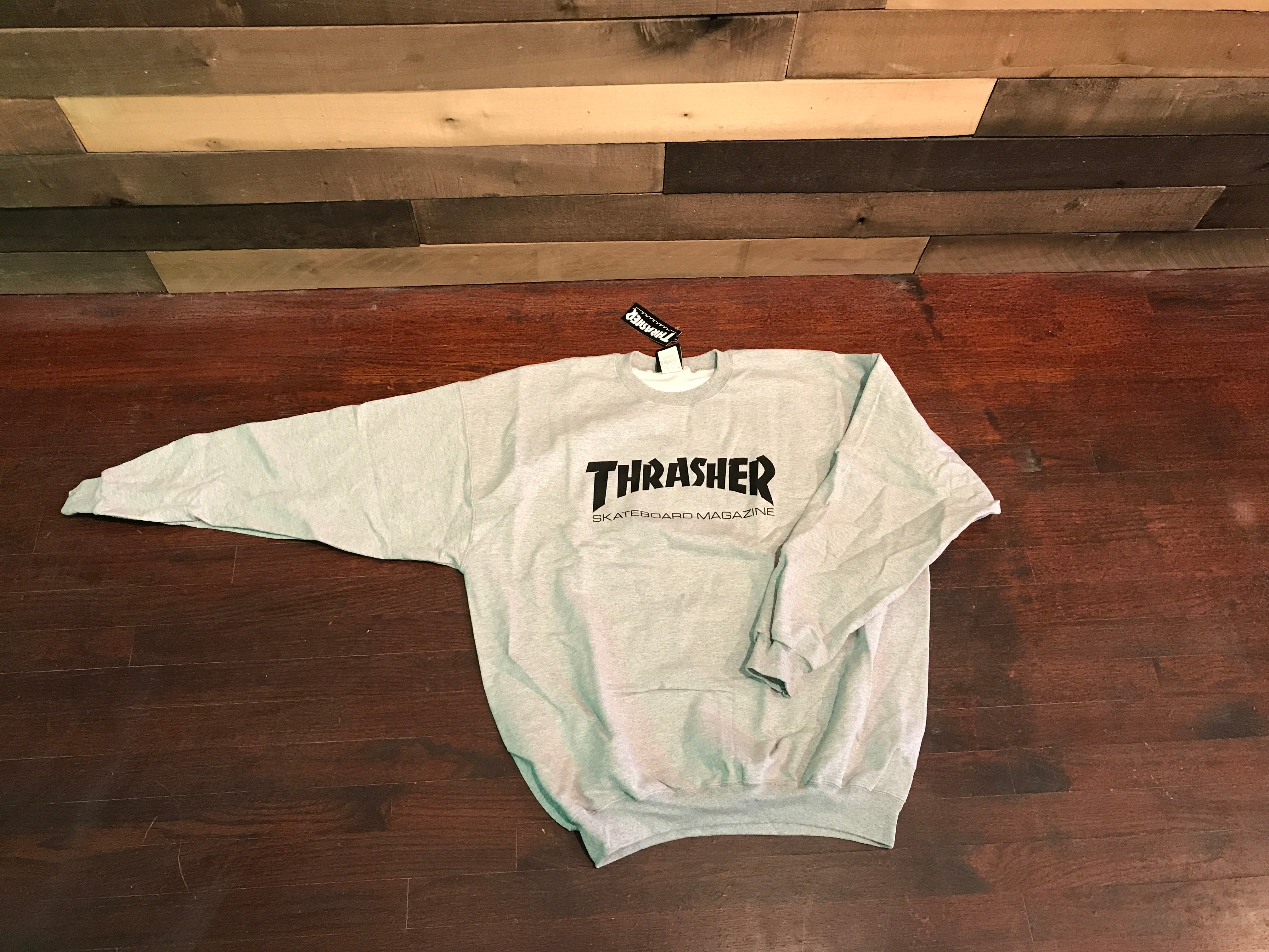 a2d29cd46281 Thrasher Skate Mag Crew Sweatshirt Light Grey