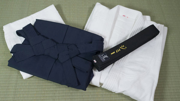 Aikidoka's classic outfit... to be properly maintained!