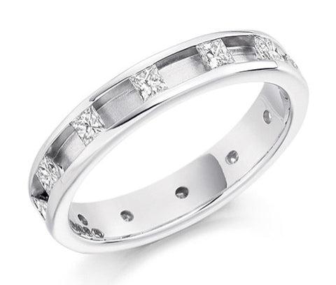18 CARAT WHITE GOLD 0.60 CARAT DIAMOND FULL ETERNITY RING