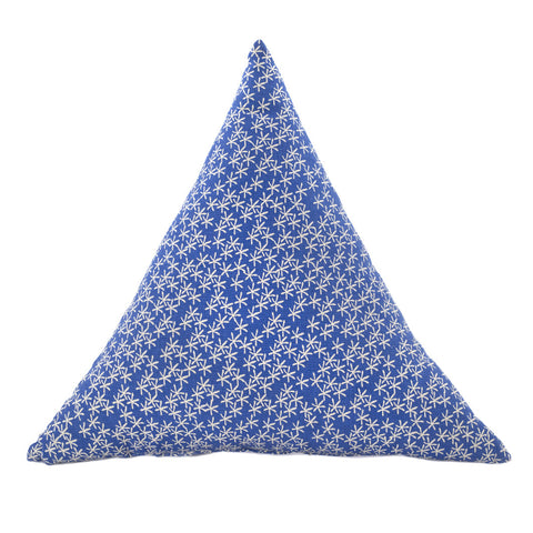 Triangle Cushion Daisy Rain Blue