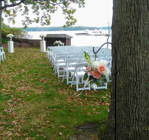 aisle for an outdoor wedding at the ivy restaurant in ivy lea ontario