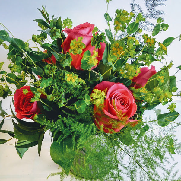 KING OF THE WORLD- creative rose bouquets in a vase