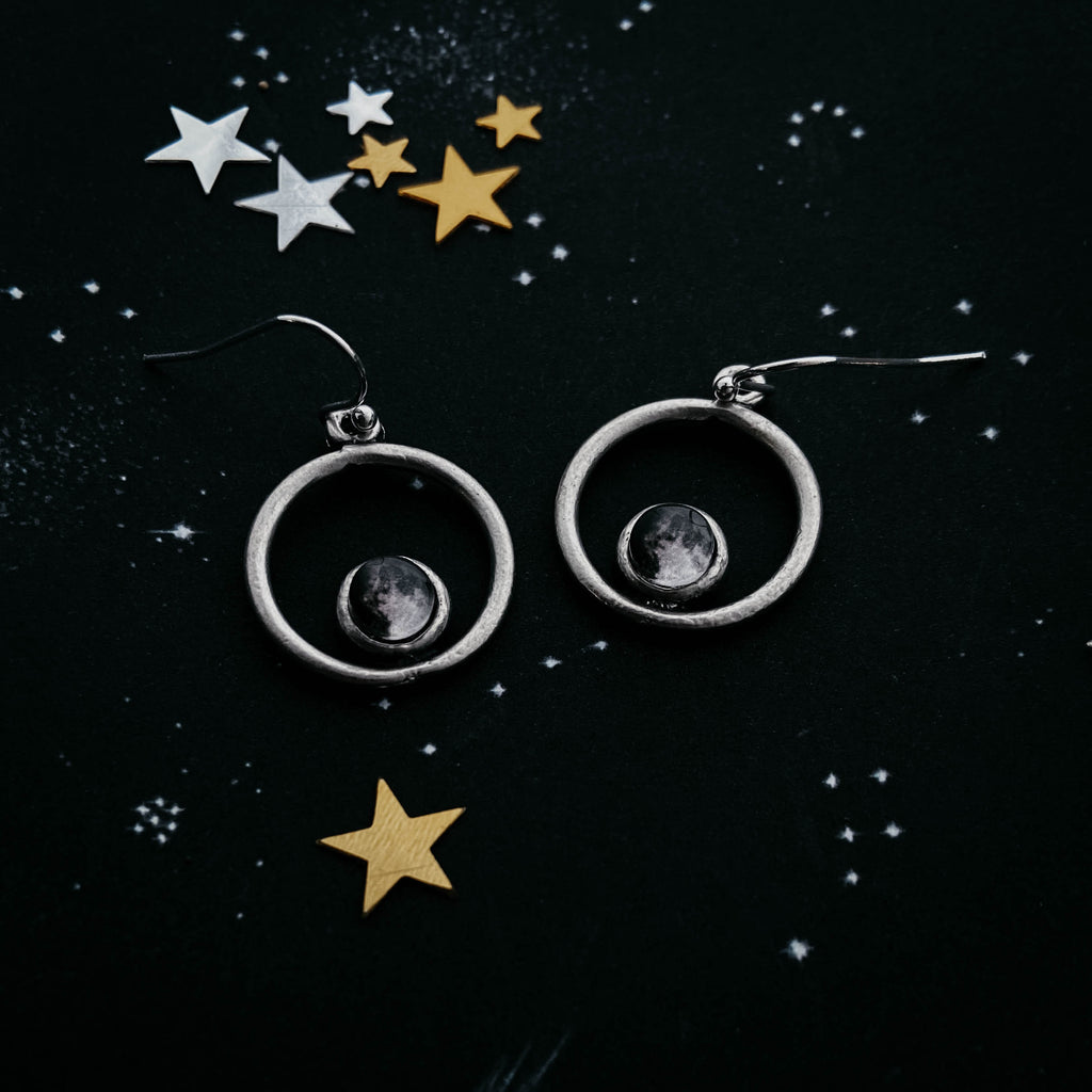 Circle earrings with custom moon phase from date - Unique celestial birthday anniversary mothers day gift - Moonglow Yugen