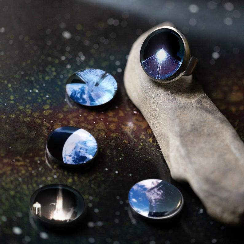 LightSail Ring - Interchangeable Magnet Jewelry - Magnetic Ring with 5 images - The Planetary Jewelry by Yugen Tribe - Space Exploration, Outer Space, Earth, Galaxy Earrings