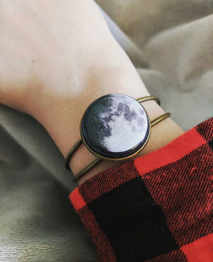 Interchangeable Moon Phase Cuff Bracelet - Yugen Tribe