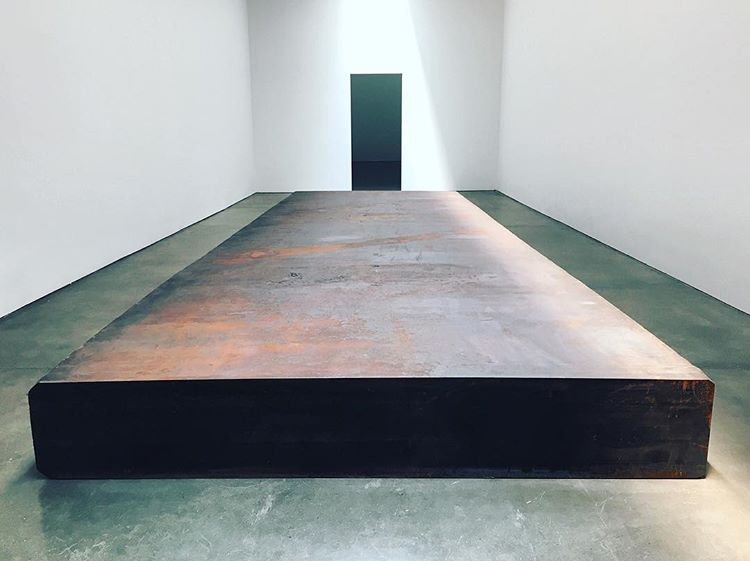 Inspires Wobi Office - Silence (for John Cage) by Richard Serra