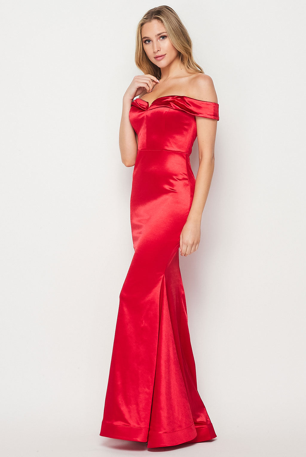 Teeze Me | Off the Shoulder Fitted Long Dress | Red