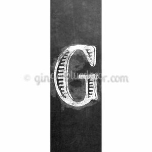 CUG-001 Chalk upper case letter g