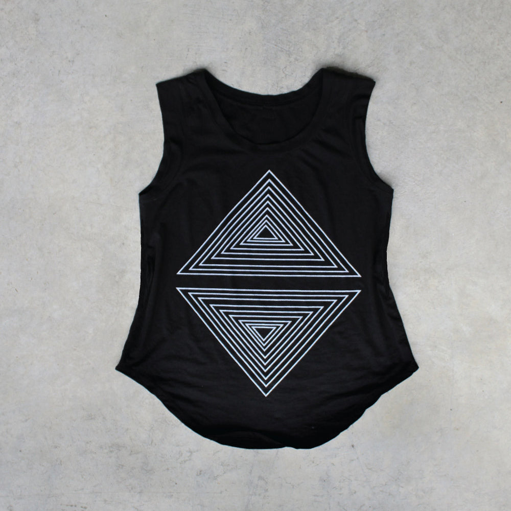 The Rule of Thirds cap sleeve tee.