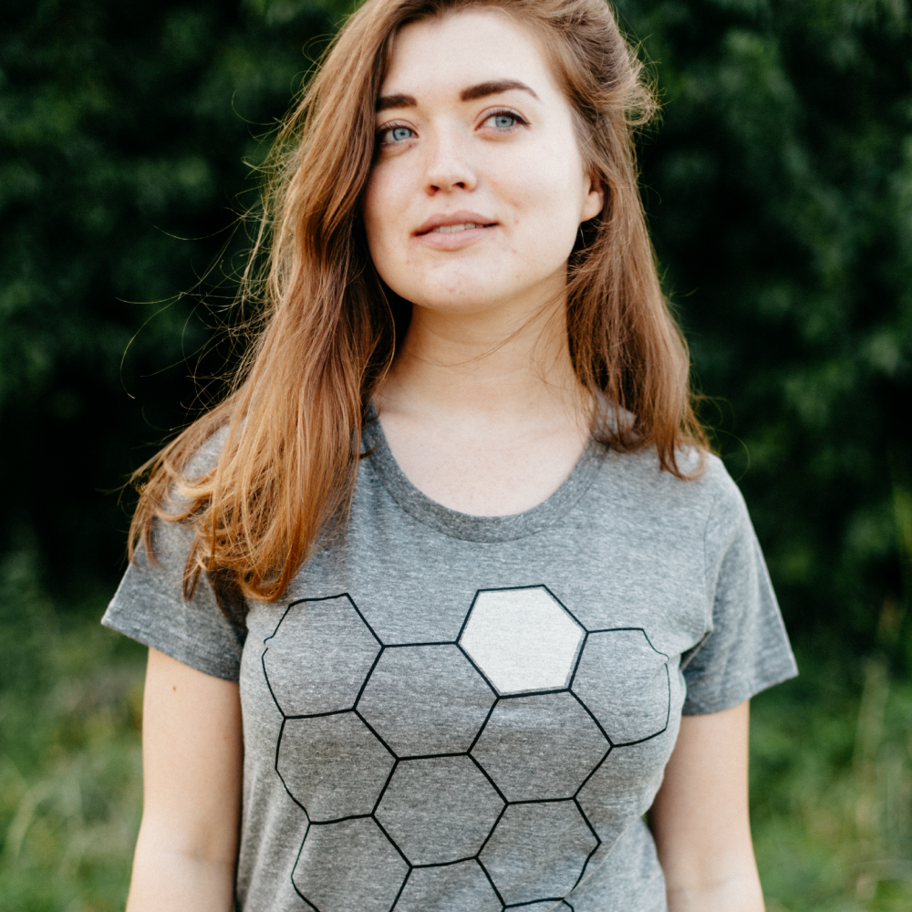 Geometric Honey Beehive Beekeeper Women's T-Shirt in Heather Gray