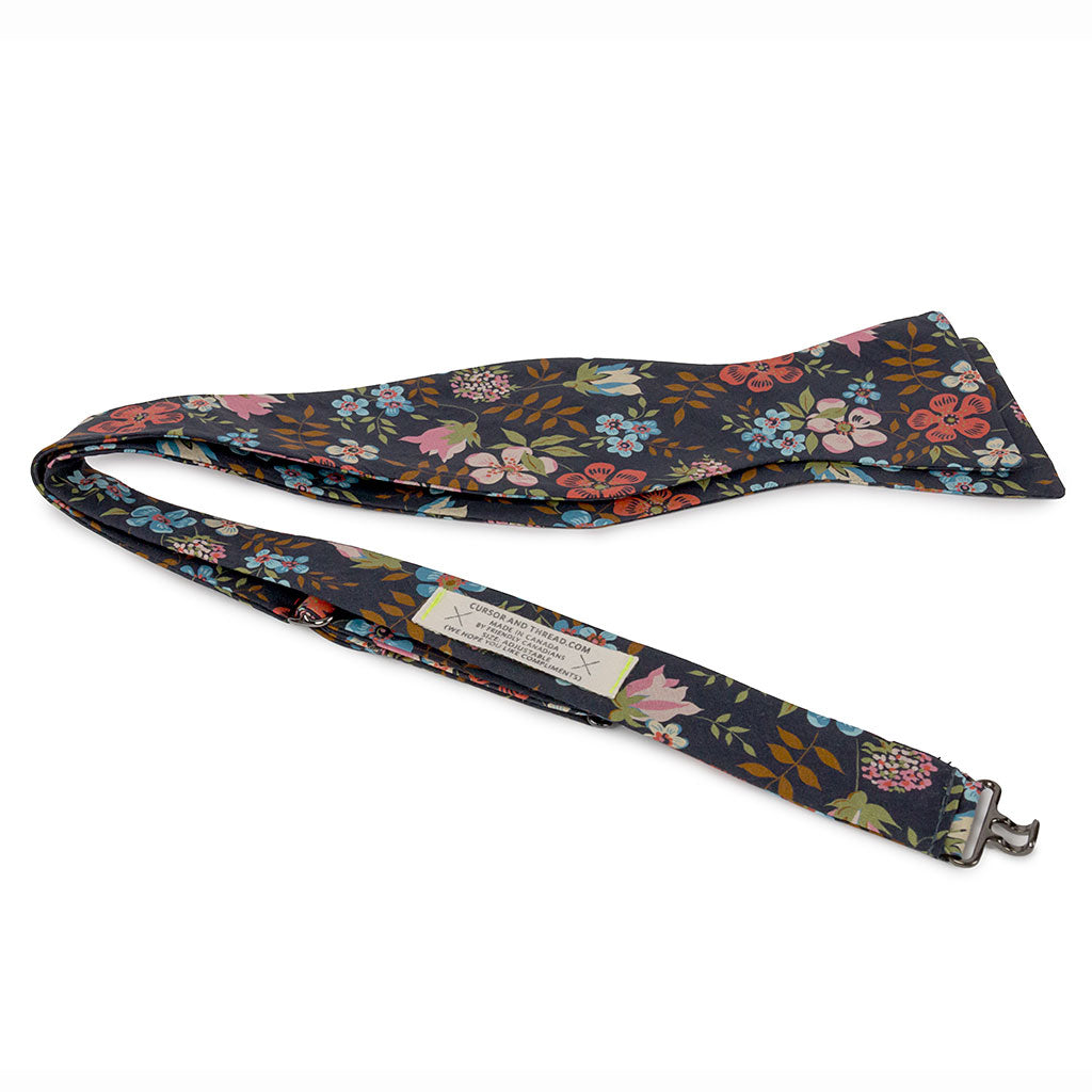 Flores Liberty Floral Bow Tie