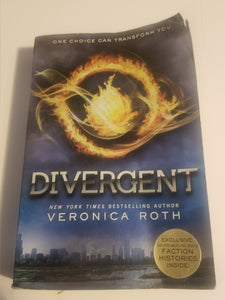 Book: Divergent (Divergent Series) by Veronica Roth (used) - Cositas Prácticas