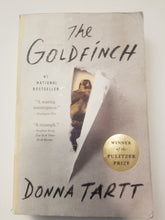 Load image into Gallery viewer, BOOK (used) - Donna Tartt - The Goldfinch - Cositas Prácticas