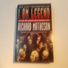 Load image into Gallery viewer, BOOk - Used I Am Legend Mass, by Richard Matheson - Cositas Prácticas
