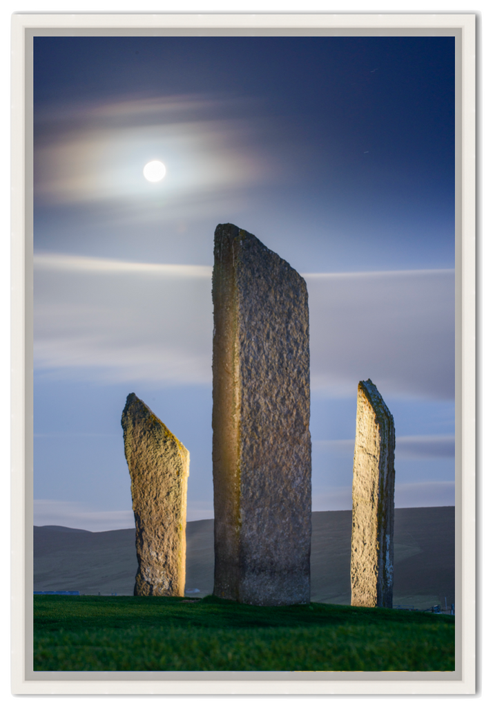 Moon over Stones of Stenness