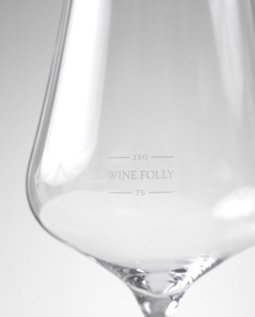 Close Up of Gabriel Glas Wine Folly Universal Tasting Glass