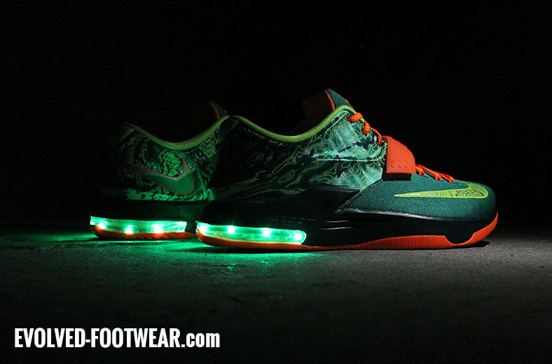 eecd8c10cf1 NIKE KD 7 WEATHERMAN LIGHT UP SHOES