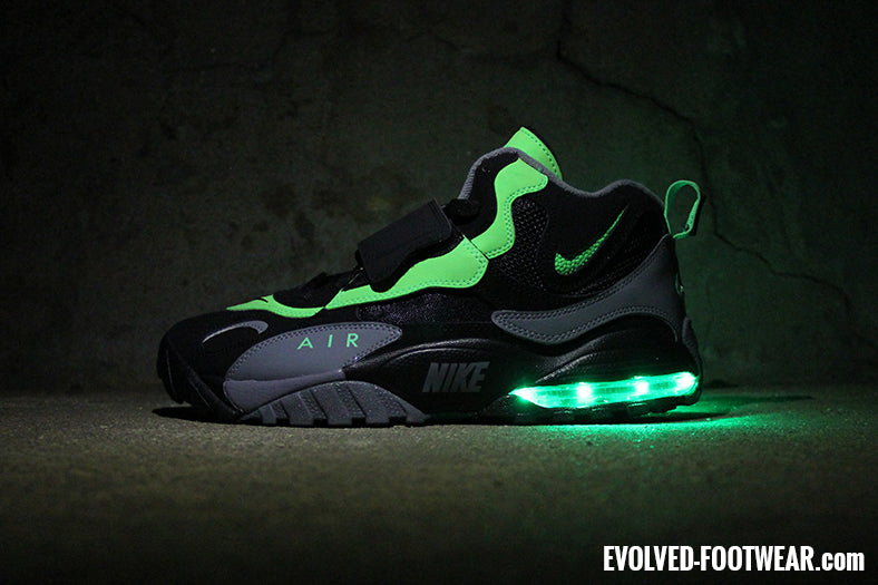 ae00fd4cc83aac NIKE AIR MAX SPEED TURF GETS THE GREEN LIGHT(S)